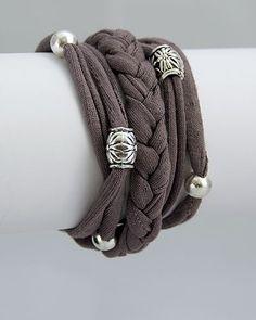 毛糸と同じように使えるけれど、毛糸よりもクールにカジュアルに仕上がるTシャツヤーンにハマる人が続出してるんです。そんなTシャツヤーンの作り方から、オシャレで可愛いDIYアイディアを集めてみました。
