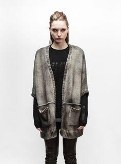 avant-toi-fw-13-14 --> spraypainted knit