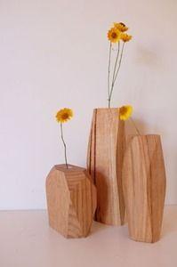 Pink, Yellow & Wood - using sunflowers - wedding table decor? {theweddinghunter}