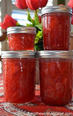 Bread Machine Strawberry Jam...now I will have to see if my bread machine has a jam cycle!