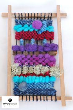 Blue red purple - Hand woven wall hanging // weaving // telar decorativo made… Weaving Textiles, Tapestry Weaving, Loom Weaving, Hand Weaving, Weaving Wall Hanging, Hanging Frames, Weaving Projects, Crafty Projects, Purple Hands