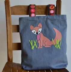 This Fox Applique Pattern is feminine and fun. One of my favorite applique designs that I've come across so far!