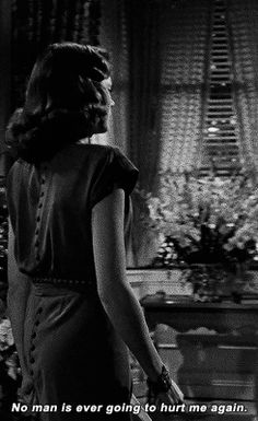 Laura, you have one tragic weakness. With you, a lean, strong body is the measure of a man, and you always get hurt. Gene Tierney in Laura Hollywood Quotes, Old Hollywood Glam, Classic Hollywood, Hollywood Divas, Laura 1944, Classic Movie Quotes, Princes Of The Universe, 40s Hairstyles, Gene Tierney