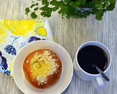 Rahkapulla | Ossin Pulla Oy Pudding, Desserts, Food, Tailgate Desserts, Deserts, Eten, Puddings, Postres, Dessert