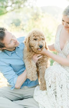 There are few things people love more than their pets. This couple's love shoot with a furry friend proves it true. Here's Mat, Inese & their adorable pup! Engagement Shoots, Engagement Photography, Engagement Announcement Photos, Engagement Inspiration, Style Guides, Pup, Poses, Inspired, Friends