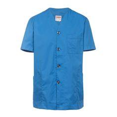 Chaqueta pijama de color azulina y atado con botón negro nácar. De manga  corta. 7229fa5ddc0