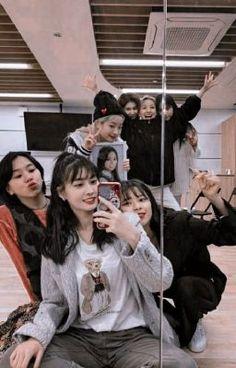 Nayeon, Twice Tzuyu, Twice Dahyun, Kpop Girl Groups, Kpop Girls, Mamamoo, Extended Play, Girl Group Pictures, Twice Chaeyoung