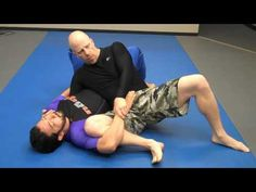 Jay-jitsu BJJ - No Gi - Side mount to triangle / arm attack ( This is wicked looking) Jiu Jitsu Gi, Ju Jitsu, Mma, Jiu Jitsu Videos, Jiu Jitsu Techniques, Brazilian Jiu Jitsu, Fight Club, Mixed Martial Arts, Krav Maga