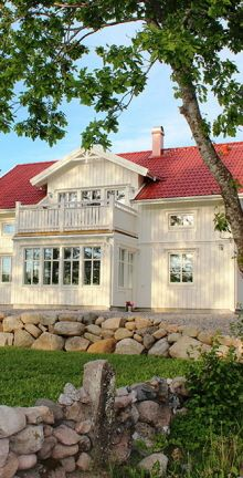Fiskarhedenvillan. Swedish Style, Swedish House, Scandinavian Home, Home Fashion, Porches, My House, Beautiful Homes, Building A House, Pergola