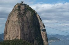 Standing on the Sugarloaf platform at 396 m above sea level you have a marvelous view on Rio de Janeiro. Rio downtown, the Southern beaches, Corcovado and NiteroiBridge lay in front of you.