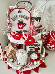 Christmas House Decorations Inside, Valentines Day Decorations, Holiday Decorations, All Things Christmas, Christmas Crafts, Merry Christmas, Christmas Ornaments, Christmas Ideas, Cocoa Bar
