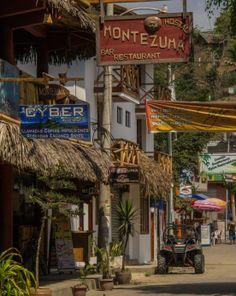 Street of Montañita, Ecuador