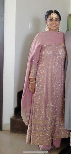 f74d1abf7d Pinterest: @ameensandhu #indian #traditional #pakistani #punjabi #fashion  #ethnic