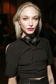 invisionagency:Ivy Levan is seen wearing CAEDEN Headphones at the Universal Music Group sxswofficial 2015 Experience, Friday, March 20, 2015, in Austin, Texas. (Photo by Jack Dempsey/Invision for Universal Music Group/AP Images)www.InvisionAgency.com Ivy Levan Blog