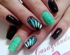 Take a look at this very cool and elegant looking butterfly nail art design. The color combination of black, white and sea green simply complement each other. The matte sea green sparkles stand out along with the detailed painting of a butterfly's wings o Cute Nail Art, Beautiful Nail Art, Cute Nails, Green Nail Art, Green Nails, Nail Art Vert, Nail Art Designs 2016, Butterfly Nail Art, Orange Butterfly