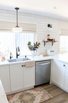 White Semihandmade Kitchen Renovation: Before + After - 1111 Light Lane #kitchenremodel