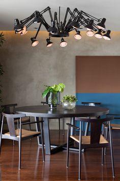 Um apartamento para relaxar e trabalhar. Veja: https://casadevalentina.com.br/projetos/detalhes/perfeito-para-relaxar-e-trabalhar-512 #decor #decoracao #interior #design #casa #home #house #idea #ideia #detalhes #details #cozy #aconchego #casadevalentina #diningroom #saladejantar
