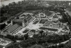 Letecký pohled na Výstaviště v roce 1927 Heart Of Europe, Czech Republic, Prague, Old Photos, Paris Skyline, City Photo, Times Square, Environment, Earth