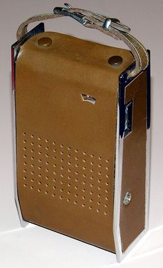 Vintage Arvin 7 Transistor Radio, Model (With Front Leather Cover Installed), Broadcast Band Only (MW), Made In USA, Circa Radio Record Player, Record Players, Pocket Radio, Old Time Radio, The Time Machine, Transistor Radio, Old Tv, Leather Cover, Speakers