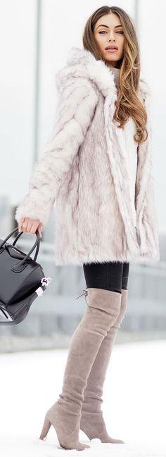 Fur Coat – Boohoo Jumper – Jigsaw Givenchy Bag – Luisaviaroma Denim – Paige Boots – Stuart Weitzman