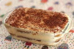 Tiramisu (recipe in Spanish) Delicious Desserts, Dessert Recipes, Yummy Food, Amaretti Cookie Recipe, Pumpkin Custard, Sweet Recipes, Love Food, Cupcake Cakes, Food Porn