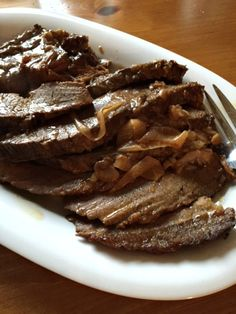 Easiest Melt In Your Mouth Onion Soup Mix Brisket - This really is a simple throw together recipe and comes out so tender and delicious. Beef Brisket Recipes, Pork Recipes, Cooking Recipes, Recipies, Brisket Meat, Game Recipes, Beef Tenderloin, Spinach Recipes, Roast Beef