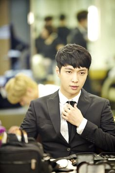 Yixing (Lay)   official SMTOWNnow 140814 update 'The press conference for 'EXO 90:2014''
