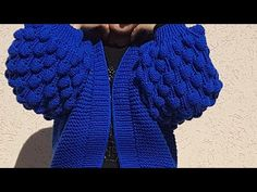 Очень красивый Бомбер из толстой пряжи. - YouTube Knitting Videos, Knitting Projects, Knitting Patterns, Crochet Patterns, Chunky Knit Cardigan, Crochet Cardigan, Knit Crochet, Cute Cardigans, Sweaters For Women