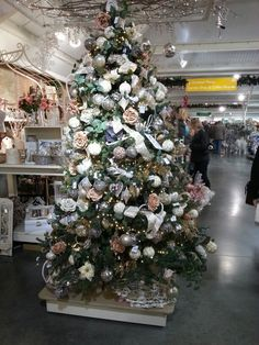 Gold and white tree Perrywood xmas shop