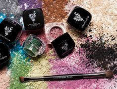 Six Pigment Powders and a free Liner/Shader Brush. Amazing colors, being discontinued soon - need to stock up