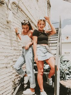 Pin by ~ kaia ~ on squad~ Bff Pics, Cute Friend Pictures, Best Friend Fotos, Friend Poses, Insta Photo Ideas, Cute Friends, Gal Pal, Best Friends Forever, Picture Poses