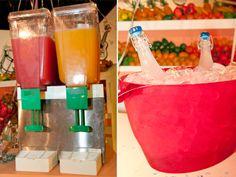 Os sucos de frutas, para acompanhar as bebidas, refrescam a noite