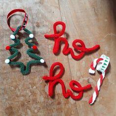 Spool Knitting, Loom Knitting Patterns, Diy Xmas, Art Fil, Diy Teepee, Wire Ornaments, Knot Pillow, Crochet Home Decor, Theme Noel