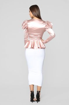 Available In Mauve,Black And MustardPeplumPuff SleeveHardware DetailRuchedPlunge NeckLong Polyester SpandexImported Classy Outfits, Sexy Outfits, Cute Outfits, Classy Clothes, Cami Midi Dress, Dress Skirt, Long Leather Skirt, Hobble Skirt, Fashion Nova Models