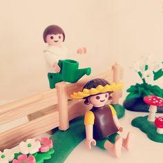 나도 꽃에 물주기 해보고싶었는데 ...ㅎㅎ #playmobil #toy #favorite #figures #collector #fun #playmobile #cute #kidult #funny #collection #토이 #수집 #피규어 #플레이모빌 #장난감