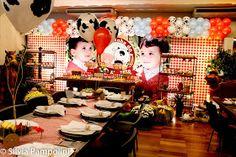 Festa fazendinha para o Luiz Augusto comemorar 1 aninho...     Painel em lona     detalhe do painel     mesa de convidados     Bolo fa...