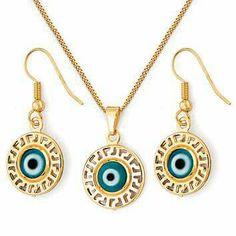Conjunto de collar, aretes y dije enchapado en oro 18 kt con piedras fantasia Código: 700 88850