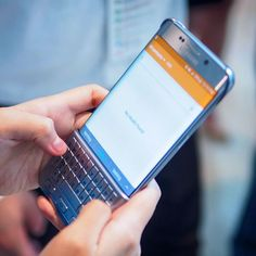 #Samsung goes BlackBerry with this new keyboard cover for the latest models of the #GalaxyS and Note phones - #tbt just got real