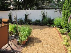 Front Yard Landscape , 6 Superb Dog Friendly Backyard Landscaping : landscaping ideas for small backyards