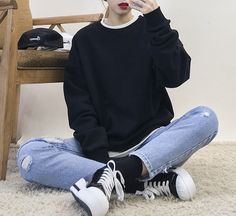 Korean Daily Fashion/ OOTD   Different ways to style in black                                                                         ...