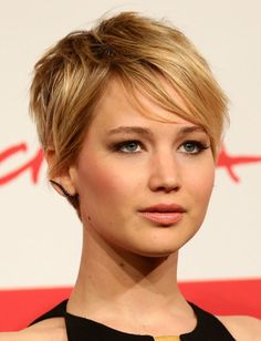 Short Haircut Styles:Womens Short Haircuts For Fine They Look Very Good On Straight Fine Hair With Normal Hair Density And Give The Overall Illusion Of Fuller Womens Short Haircuts For Fine Hair Top Image click now for more info. Wavy Hair, New Hair, Thick Hair, Straight Hair, Blonde Hair, Jennifer Lawrence Pixie, Jennifer Lawrence Haircut Short, Jennifer Lawrence Makeup, Oval Face Shapes