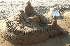 Google Image Result for http://images.travelpod.com/users/shelbysimmonds/mexico-2006.1144959360.sand_art_3.jpg