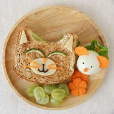 Cooking for Kids: It& fast, easy and healthy! - Kochen für Kinder: So geht's schnell, einfach und gesund! So that your kids never again disgusted look at the vegetables on the plate, you do not have to do without it. Read how you are healthy here … - Cute Snacks, Cute Food, Good Food, Yummy Food, Healthy Protein Snacks, Healthy Kids, Healthy Cooking, Healthy Food, Food Art For Kids