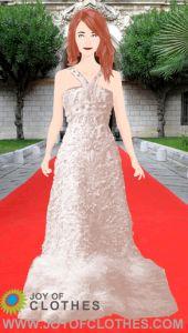 Jessica Chastain in a maxi halterdress by Alexander McQueen.