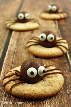 #2. Spider Cookies | 15 Super Easy Halloween Treats To Make