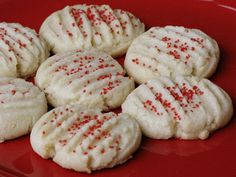 Ok, I want to warn you right now… when I say butter cookies, I mean butter cookies. This recipe is chock full of butter. One whole pound to be exact! But don't be scared… these are so worth every bit of that butter! Norwegian Cuisine, Norwegian Food, Christmas Desserts, Christmas Treats, Christmas Cookies, Felt Christmas, Gingerbread Cookies, Holiday Baking, Christmas Baking