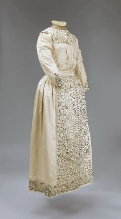 Iraq, Jewish Bridal dress influenced by the European style, Metal-tinsel embroidery on silk satin, 1904