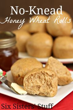 No-Knead Honey Wheat Rolls from SixSistersStuff.com. These rolls are simple! Perfect for Thanksgiving. #bread