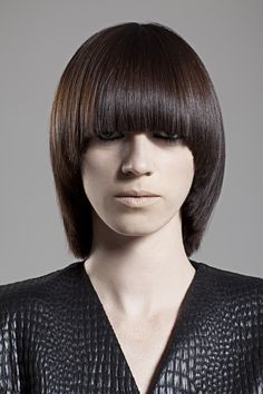 Loft Parrucchieri 2012 Collection by Framesi Really Short Hair, Short Hair With Bangs, Short Hair Cuts, Short Hair Styles, Round Haircut, Pageboy Haircut, Hair Inspo, Hair Inspiration, Mushroom Hair