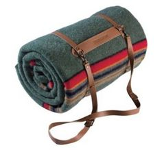 Pendleton Yakima Green Heather Twin Blanket With Leather Carrier Green Heather T) Zelt Camping, Go Camping, Camping Outdoors, Oregon Camping, Luxury Camping, Pendleton Woolen Mills, Pendleton Blankets, Camping Blanket, Picnic Blanket